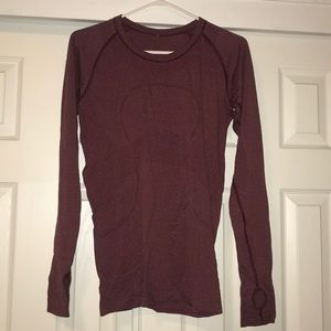 Lulu lemon Longsleeve Swiftly red/maroon
